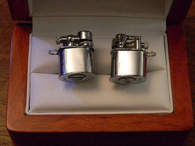 These are working lighter cufflinks by CremedelaCuffs. Would you set your shirts on fire? Of course you would. But look how cute!