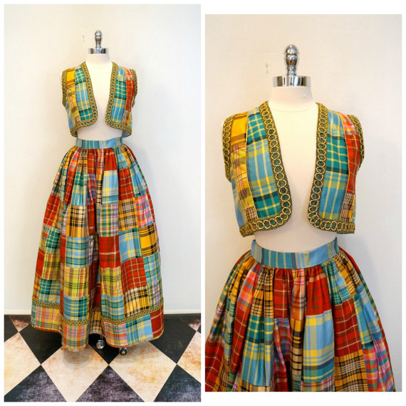 Welcome to Cracker Barrel. May I take your order? Vintage Oscar de la Renta ensemble sold by the surprisingly self aware FabulousMessVintage