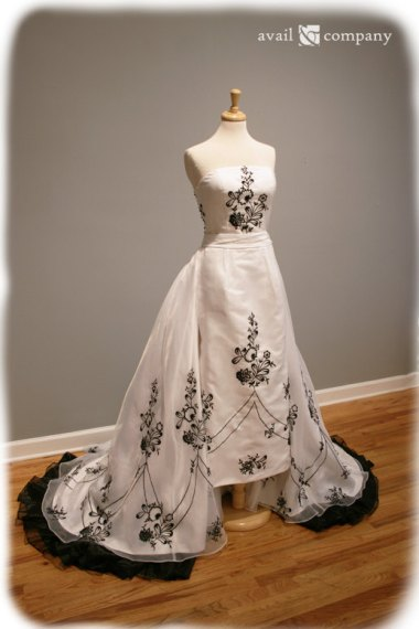 Yes, please. Gorgeous black and white embroidered wedding dress by the amazing AvailCo