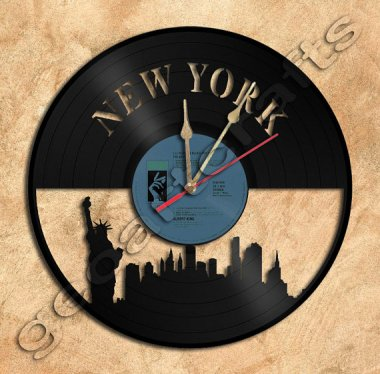 Now, that's what I call upcycled! New York City clock by GeoArtCrafts