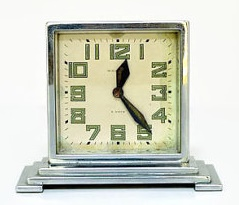 I could definitely make room on my clock shelf for this beauty! Sold by PinstripeVintage