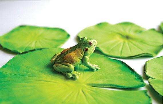 Caramel/Vanilla Frog (way too beautiful to eat!)