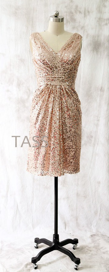 I am completely obsessed with this rose-gold sequin trend, especially when the bride is dressed similarly. By TaShasha