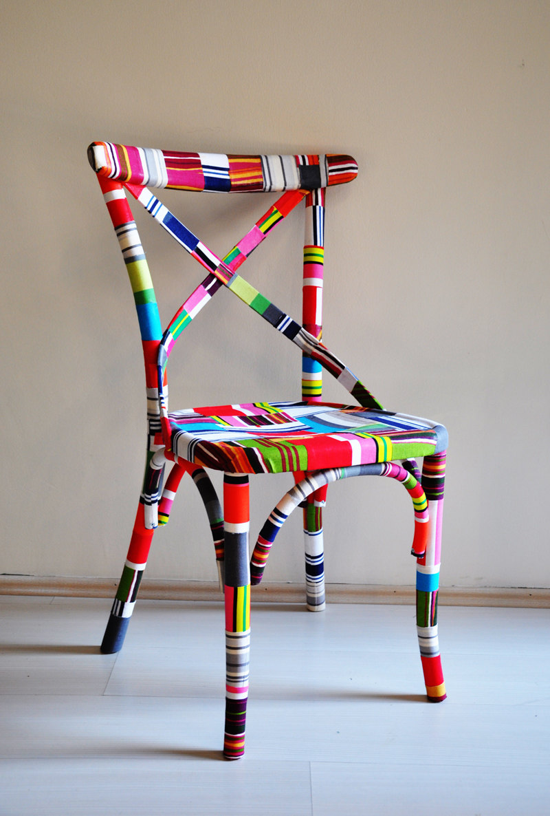 4 x colorful Thonet chairs (I am in love with these!)