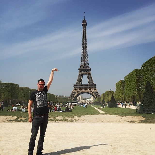 """Can someone Photoshop the Eifeltower under my finger?"""