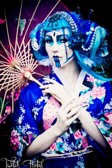 On the other hand, this Geisha wig is an absolute knock-out! Yum! By GhouliaPeculiar