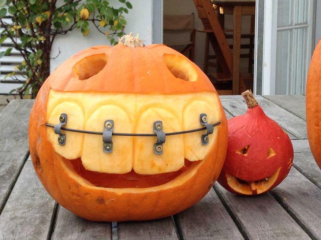 Materials: knife, metal parts, orthodontist