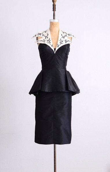 Im a sucker for a good vintage dress, and this embroidered collar halter peplum dress is a doozie! By PickledVintage