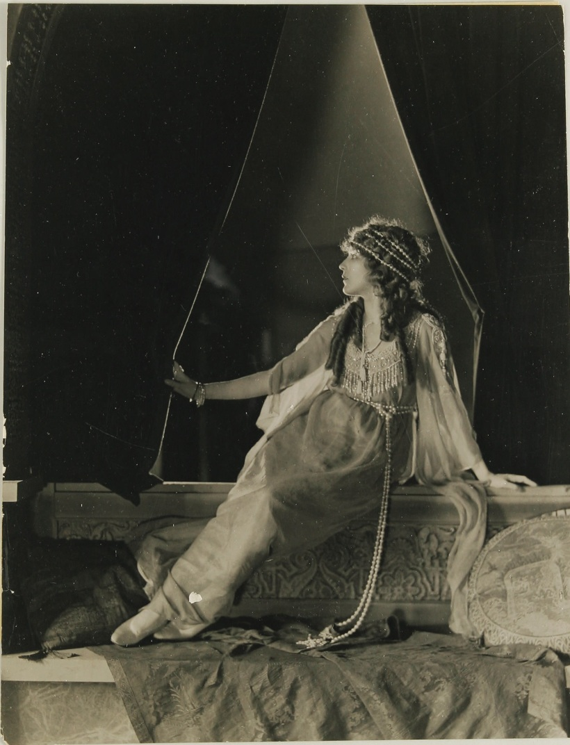 Mary Pickford by James Abbe