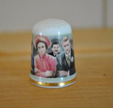 The sheer bizarreness of a thimble commemorating Prince Edward's abdication of the throne is too hilarious to pass up. By TheVintageCoopUK