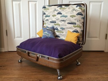 Love this mid-century suitcase pet bed! By LuxMutts