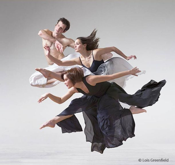 Lois-Greenfield-Moving-Still-2