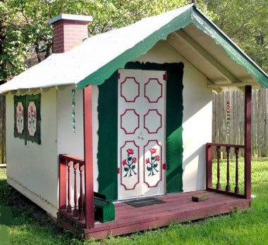 Yes, yes, YES! Adorable playhouse plans based upon the seller's own structure made by her father when she was a child. That's more like it! By PlayhousePlans