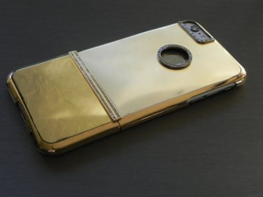 $19,500. This is what a solid gold iPhone case looks like. Meh.