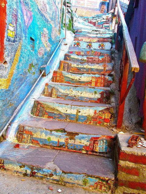 Valparaíso, Chile Photo: Oueduabroad